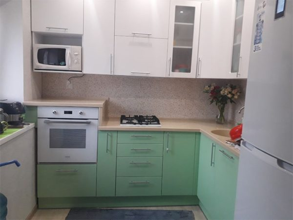 """Кухня из эмали """"Зеленое яблоко"""""""